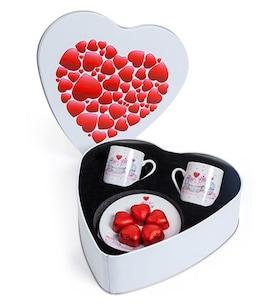 Kalp Kutuda Kahve Seti Kalp Çikolatalar