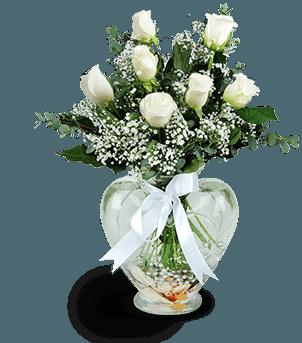 Beyaz Güller Kalp Vazoda Beyazın Büyüsü